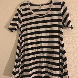 LuLaRoe Stripped Shirt!!